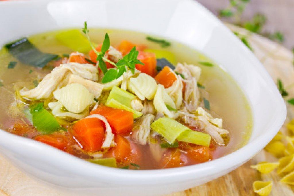 levesreszeltzöldségekkel